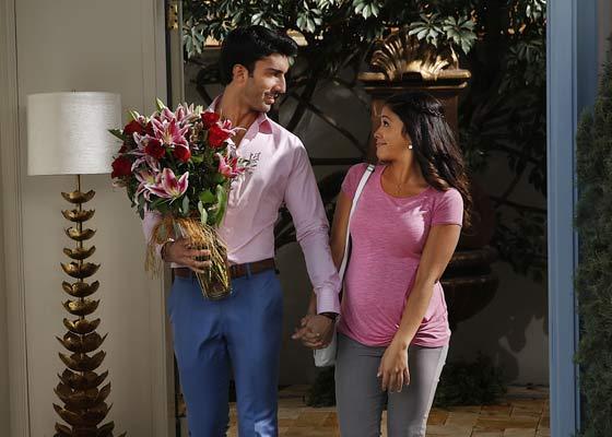 Justin Baldoni and Gina Roadriguez as Rafael and Jane on Vuzu AMP's Jane the Virgin.