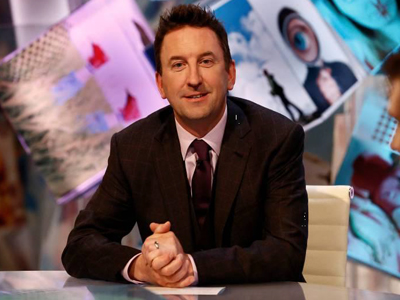Lee Mack host of Duck Quacks Dont Echo