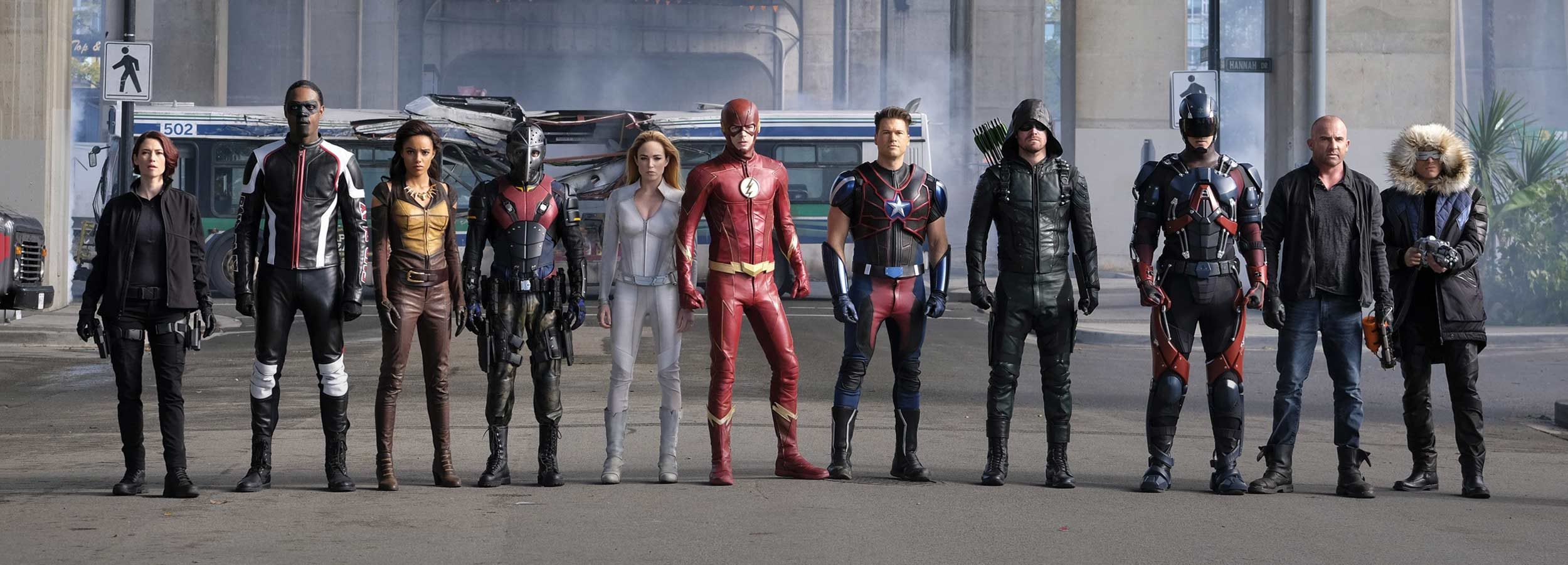 Superheroes Crossover DC Legends of Tomorrow